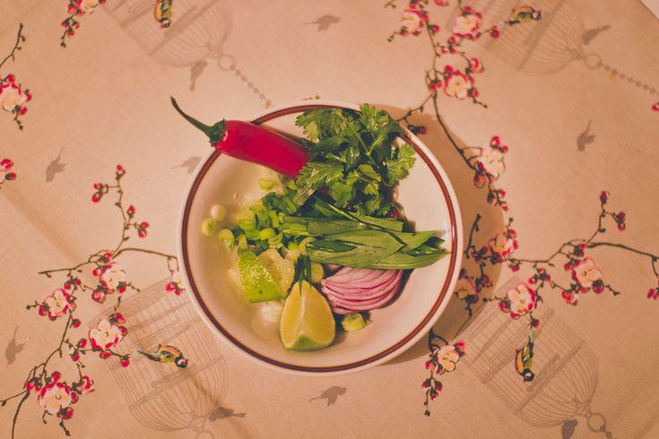 Zelenina do vietnamskej polievky Pho Bo #vegetables #wildgarlic #phobo #vietnam #healthy #onion #salad #chilli #recipe