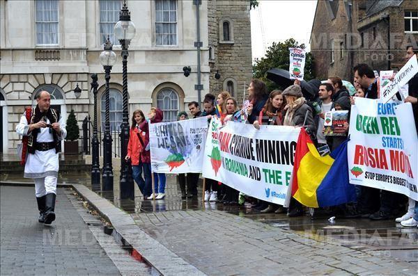 MEDIAFAX Foto: Rosia Montana, London Protest, 15 September 2013 © Cristina Schek