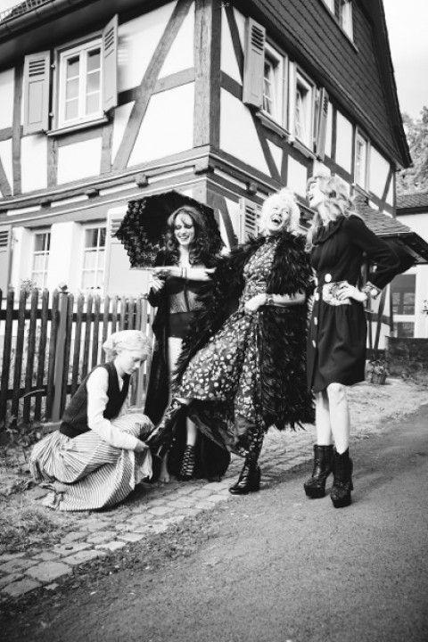 Cinderella – Ellen Von Unwerth for Zeit Magazin | Nìxí Magazine