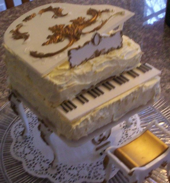 My Piano Party Cake Made With Vintage 1973 Wilton Grand