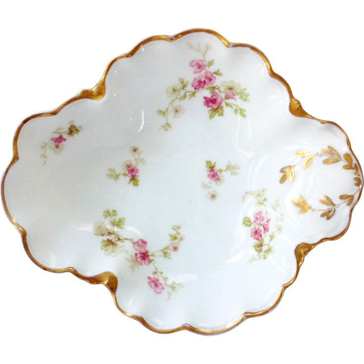 Here is unmistakable Haviland Limoges China in a pretty open candy dish with a pink floral motif. On Blank 426, the pattern has airy, delicate flowers