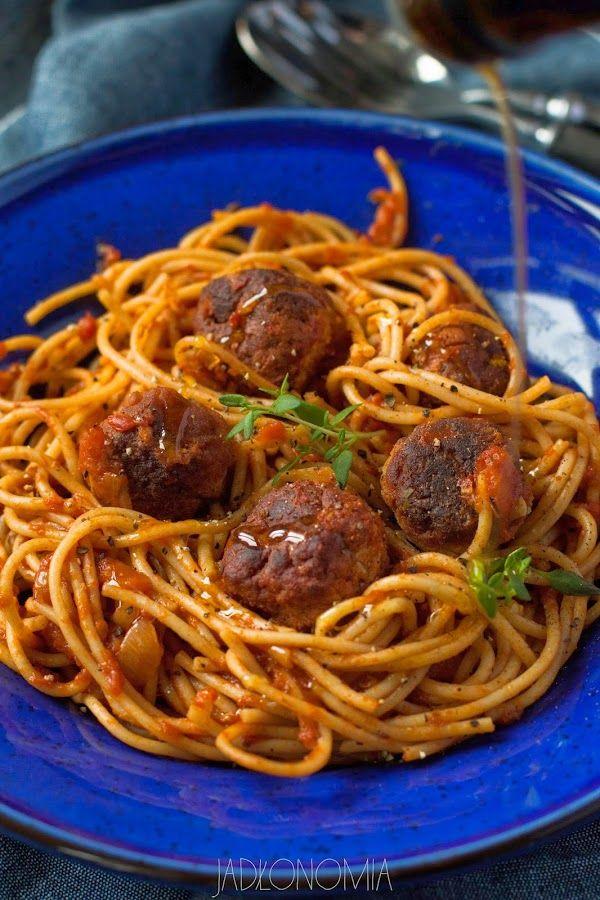 Spaghetti z pulpetami z tofu.