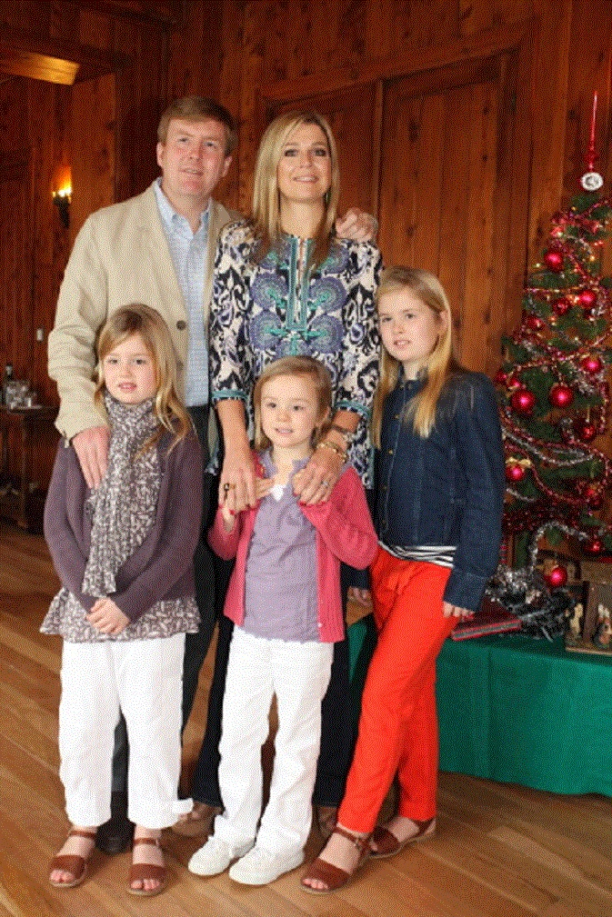 Prince Willem Alexander, Princess Maxima with their daughters (L-R) Princess Alexia, Princess Ariane and Princess Catharina-Amalia of the Netherlands celebrate Christmas on 23 Dec 2012 in Villa la Angostura, Argentina.
