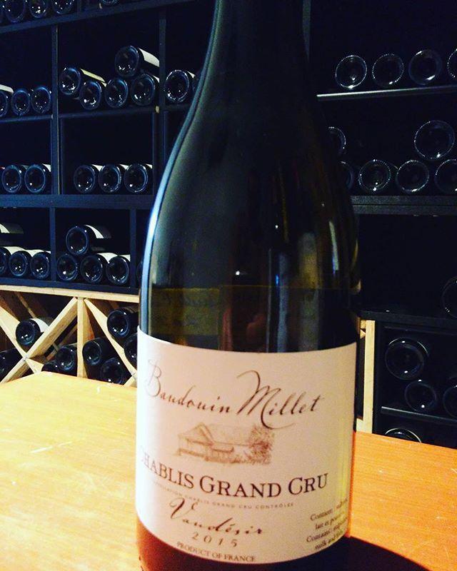 Belle acquisition pour ma cave à #vin du côté de #chablis #grandcru #vaudésir 2015 Baudouin Millet ! du bon chardonnay s...