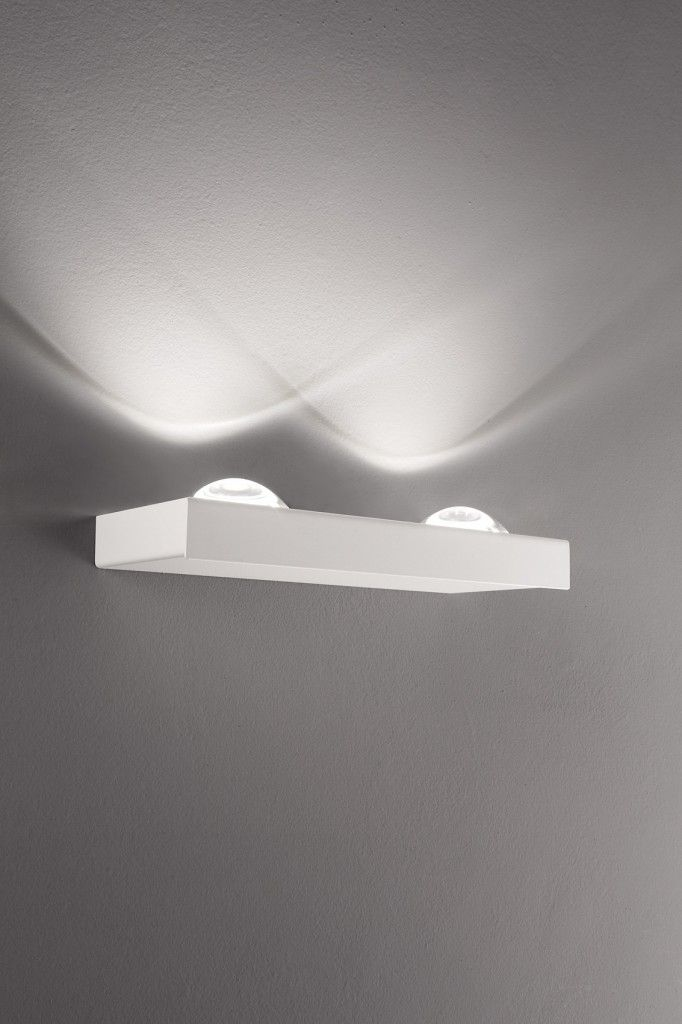With uncompromising progress in the technical development Studio Italia Design realized highly efficient, high-quality products, with an excellent price-performance ratio. The light Shelf is an eye-catcher and draws a striking light-effect on your wall. The high-quality lens was designed for this purpose.