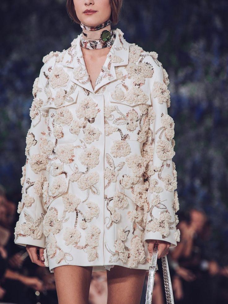 Dior SS16 womenswear Spring Summer 2016 Raf Simons #stylingmrsoliver.com