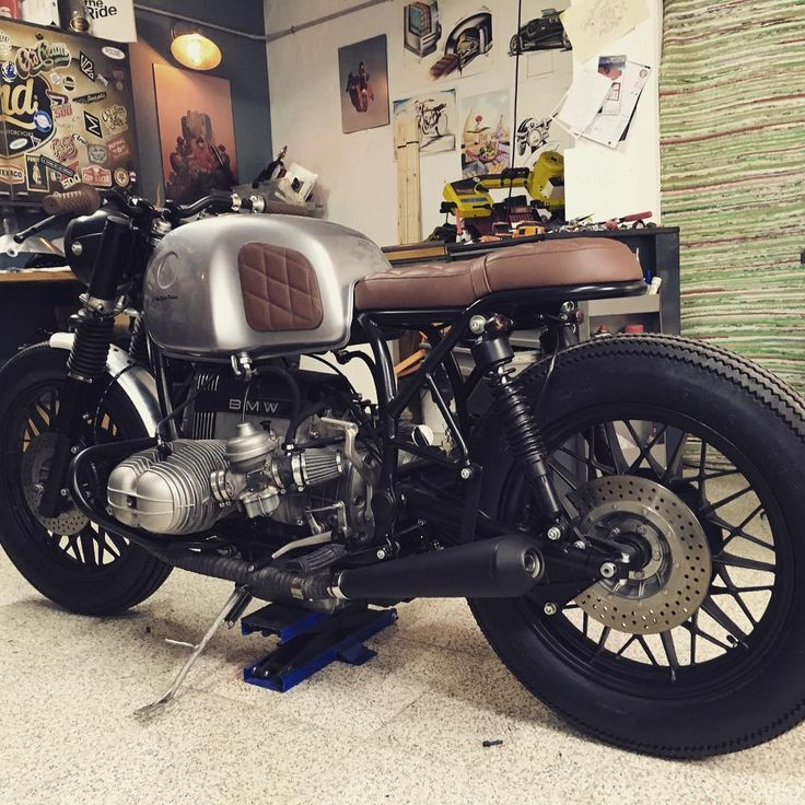 C/ Gonzalo Herrero, 11 bajo derecha 28039 (Madrid) - Spain >> Cafe Racer Dreams will answer to all questions in our site!! Snapchat >> pery-crd