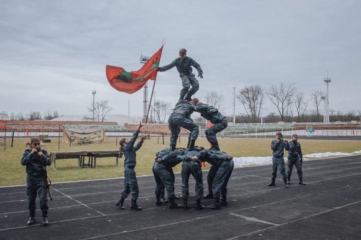 Cada 23 de fevereiro de Transnistria comemora o Dia do Exército soviético com festas e competições a decorrer em Tiraspol, capital da república.  O exército russo tem estado presente na Transnístria desde a guerra pela independência, uma presença com que a Ucrânia tomou problema com recentemente.