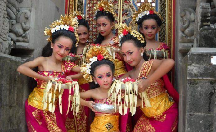 Tari Pendet, Tarian Penyambutan Tamu khas Pulau Bali