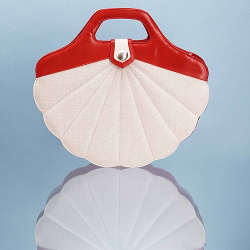 I love my Minna Parikka shell bag!