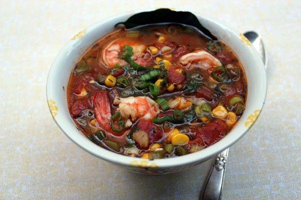 Американская кухня - похлебка с креветками, помидорами и кукурузой