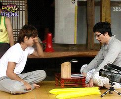 2008 Family Outing ep. 12 - Daesung wins the Dumb & Dumber staring contest   2/6