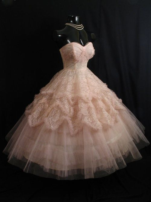 1950s pink lace dress...