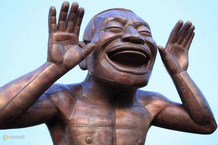 Смеющийся человек – #Канада #Британская_Колумбия #Ванкувер (#CA_BC) Добро пожаловать в уголок смехотерапии, расположенный в одном из парков Ванкувера!  ↳ http://ru.esosedi.org/CA/BC/1000463604/smeyuschiysya_chelovek/