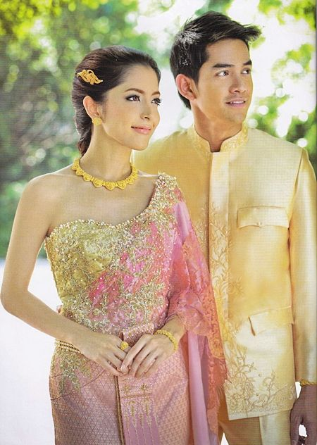 Thai wedding dressing