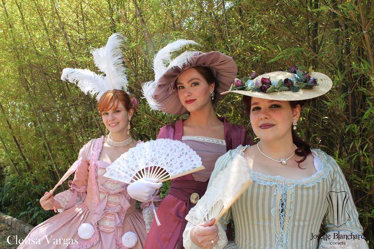 Vestimentas Rococó e Eduardiana.  Foto por Cleusa Vargas