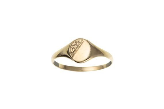 Silver Children/'s// Ladies Plain Oval Signet Ring with White Stone