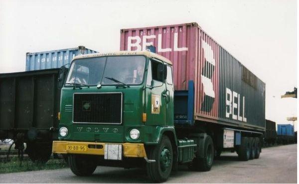 VOLVO-F88 DE BLAUWE STER (NL)