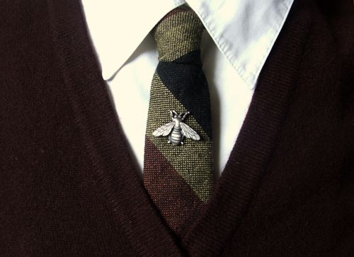 Apparently it's very difficult to find bee-themed ties that don't make one look like a clown, so instead I got this nice tie pin.