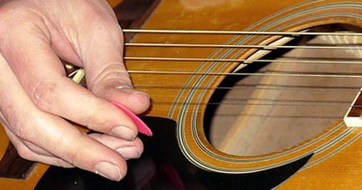 Aspectos básicos de la instalación de una pastilla piezoeléctrica para una guitarra acústica. Las pastillas piezoeléctricas operan detectando vibraciones de las cuerdas y la madera, convirtiéndolas en señales eléctricas para reproducirlas con un amplificador. Si bien las guitarras acústicas amplificadas mediante un micrófono producen la más auténtica reproducción de sonido, el guitarrista se ve limitado en su movimiento. Las pastillas ...