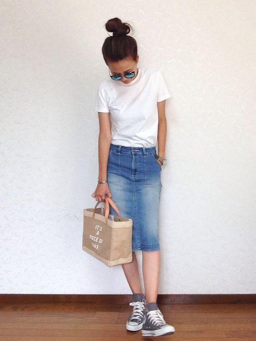 ユニクロのTシャツ・カットソー「クルーネックT(半袖)」を使ったみーのコーディネートです。WEARはモデル・俳優・ショップスタッフなどの着こなしをチェックできるファッションコーディネートサイトです。