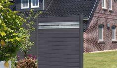Der Alu Steckzaun Randers ist in der Farbe Anthrazitgrau erhältlich. Der Aluminiumzaun kann wahlweise mit Glaseinsätzen oder Lochblech gestaltete werden, der Sichtschutz ist für ein ganzes Gartenleben hergestellt. Die drei Zaunelemente sind in den Maßen 180 x 180 x 2 cm und 100 x 180 cm verfügbar. Diese und weitere Aluminium Sichtschutzzäune finden Sie unter http://www.meingartenversand.de/sichtschutzzaun/aluminium-sichtschutzzaeune.html
