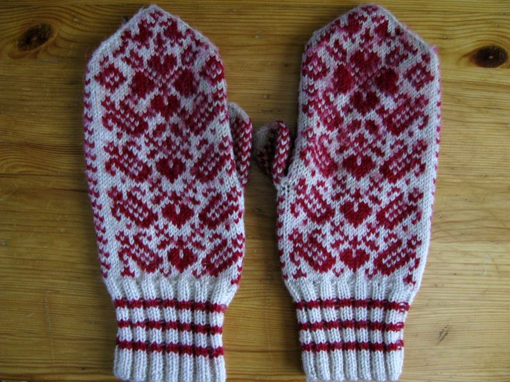 I knitted thes mittens almost 30 years ago :)