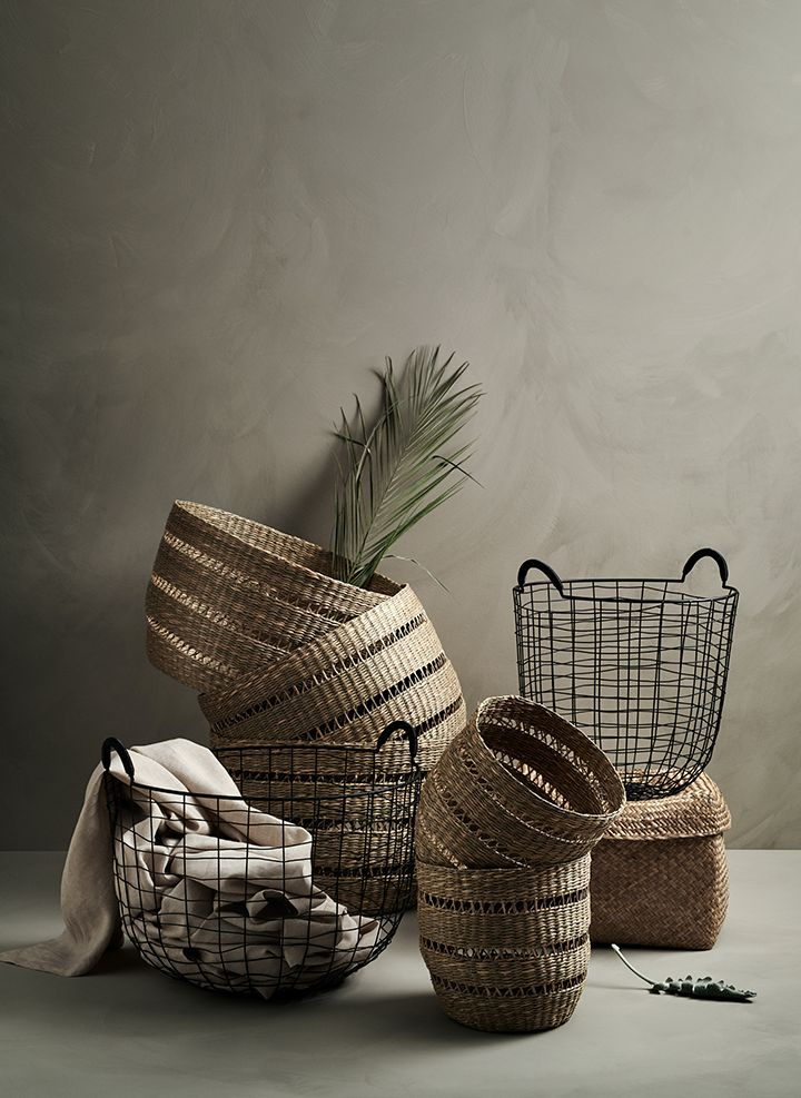 Baskets On Wall, Storage Baskets, Diy Rangement, Hm Home, Clutter Free Home, Rope Basket, Basket Bag, Rattan Furniture, Cozy House