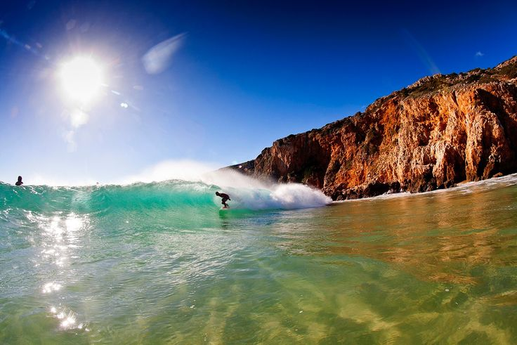 5 reasons to go on a surf trip to Portugal - via Errant Surf 17.04.2015 | Laura's right Ericiera is sick, it's even got it's own version of California's Pacific Coast Highway where you can check many of the waves from your car. But I've got 5 other solid reasons why you should go on a surf trip to Portugal... Photo: Algarve