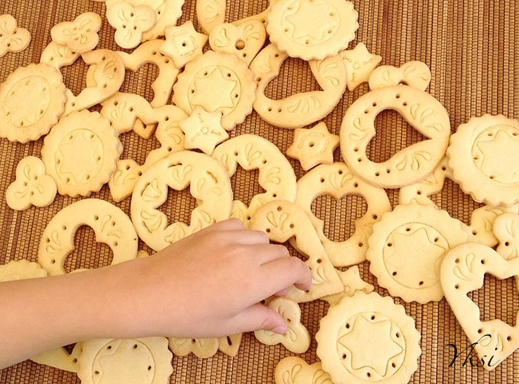 Doily cookies project with children