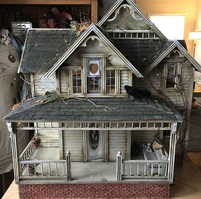 Abandoned Dollhouses Haunted Dollhouse Dollhouse Halloween Halloween Haunted Houses