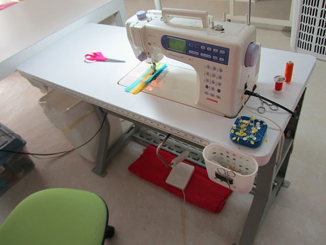 1000 images about sewing machine stuff on pinterest for Arts and crafts sewing machine