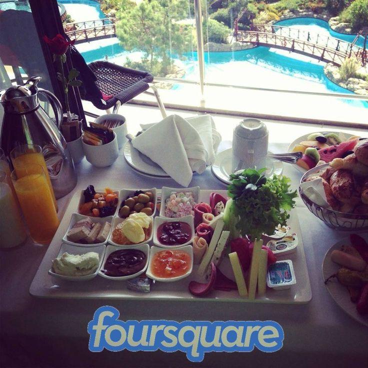 Thanks to Foursquare user Derya E., for sharing a special Honeymoon In-room complimentary breakfast photograph with us.  Спасибо пользователю Foursquare, Derya E, за фотографию завтрака в номер, предусмотренного в специальном пакете для гостей, приехавших на медовый месяц.  https://ru.foursquare.com/v/avantgarde-resort-hotel/4da1c90163b5a35dac62ef19/photos?openPhotoId=524aab7c498e41718179f7ba