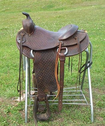 """Stock or colt-breaking western used saddle for sale 15 1/2"""""""