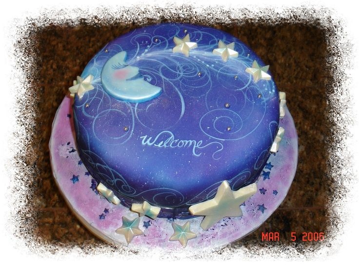 Airbrush design for a cake