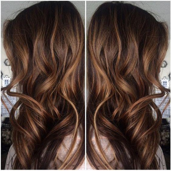 Karamell-Highlights für Braunes Haar