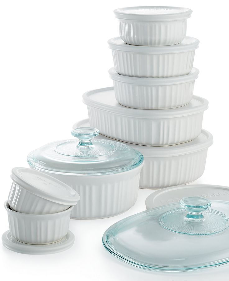 Crafted with durable and dependable stoneware, this versatile set lets you cook, serve and store your culinary creations, all in one dish. A mix of plastic and glass covers let you use each piece in t
