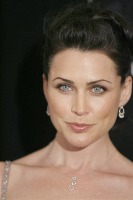 Rena Sofer - Melian the Maia; the wife of Elu Thingol, mother of Lúthien, and Queen of Doriath