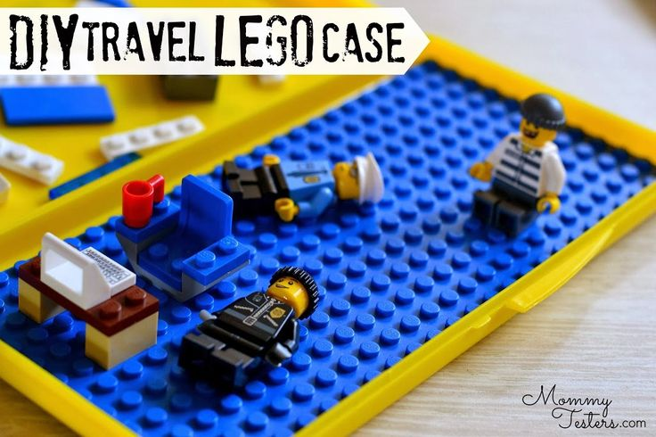 Such a clever idea! Travel LEGO box made out of a diaper wipe container!  #DIY #crafts