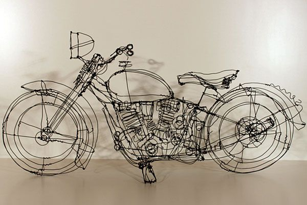 Three-dimensional wire sculptures by Martin Senn