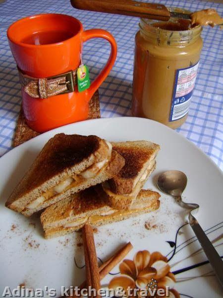 Retete mancare Gateste Inteligent Paine prajita cu unt de arahide si banane (mic dejun de post)