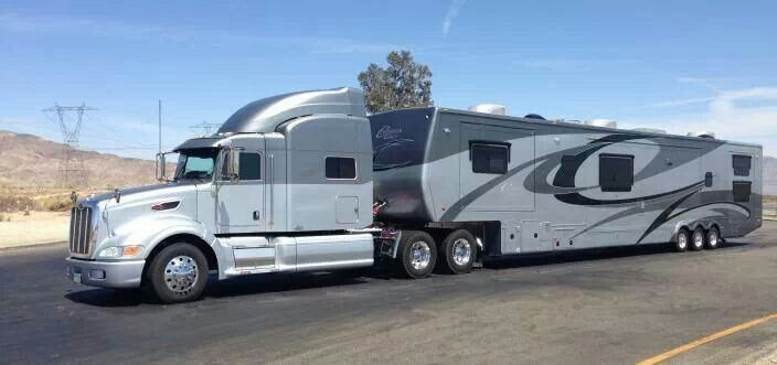 Peterbilt 387 It Seems More Like A 386 Rv Trailer