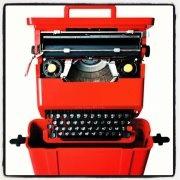 """Luciana Di Virgilio ha parlato della macchina per scrivere """"Valentine"""" della Olivetti durante la sua rubrica Capital Design in onda su Radio Capital."""