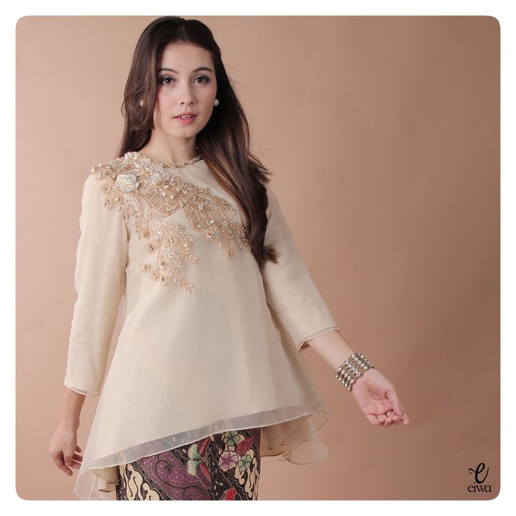 simple long sleeve lace organdy organza applique organdi bodo baju bajubodo top, kebaya modern indonesia brokat http://www.eiwaonline.com