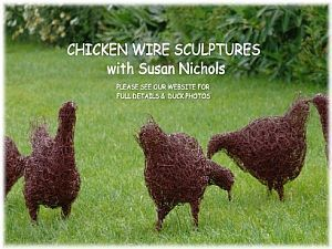 hen-sculptures-for-the-garden-using-chicken-wire