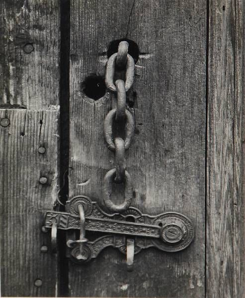 The different shapes balance each other well giving it some sense of order. Ansel Adams / Latch & Chain, Mineral King, California / 1932 / Gelatin silver print