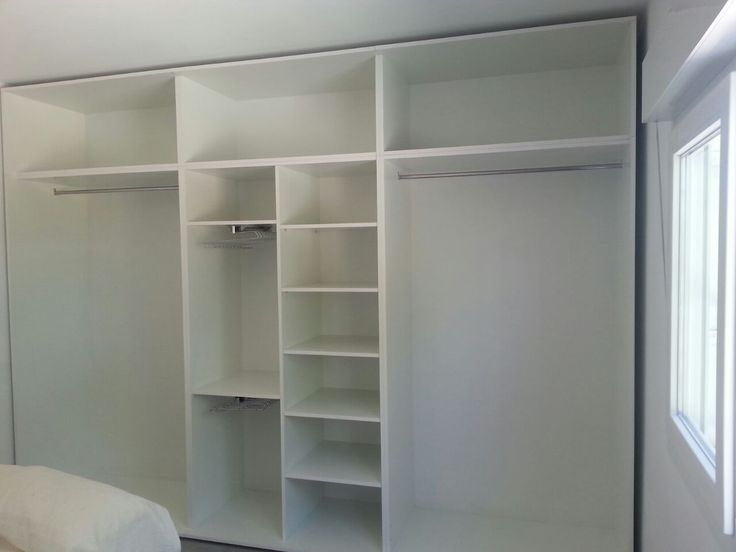 Forrado armario empotrado en blanco interiores de - Cajonera interior armario ...