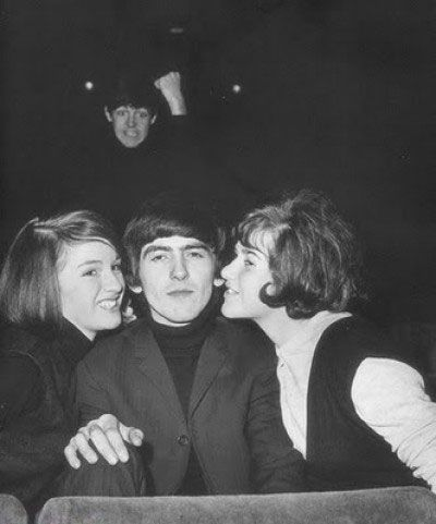 The 25 Funniest Celebrity Photobombs Ever