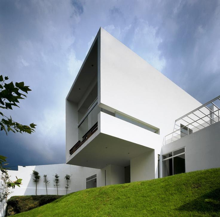 Casa Cubo / Agraz Arquitectos