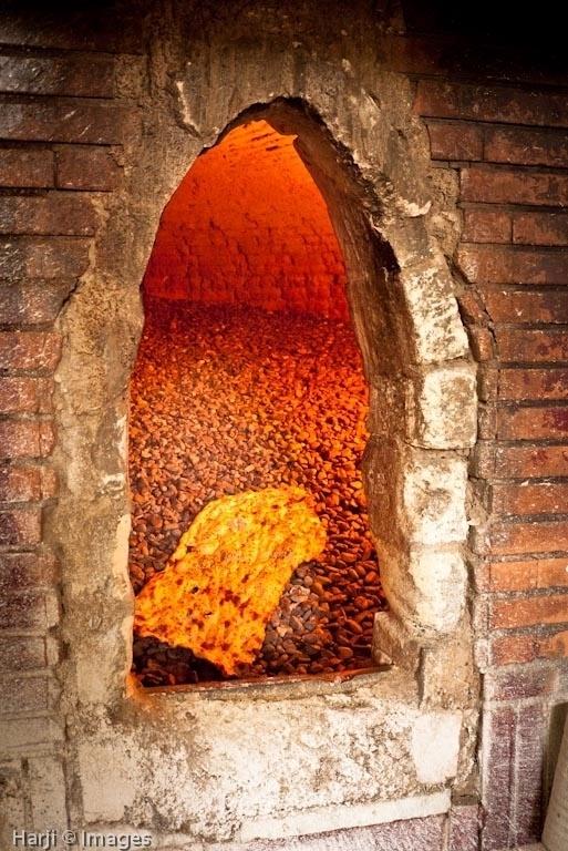 Naan Sangak - Persian Traditional Bread Made in a Pebble Stove #Expo2015 #Milan #WorldsFair